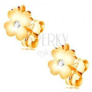 Diamentowe kolczyki z żółtego 14K złota - błyszcząca czterolistna koniczyna z bezbarwnym brylantem obraz