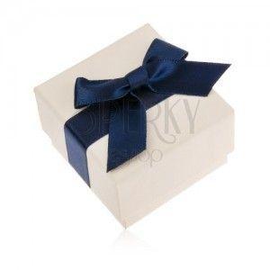 Kremowe upominkowe pudełeczko na pierścionek, wisiorek lub kolczyki, niebieska kokarda obraz