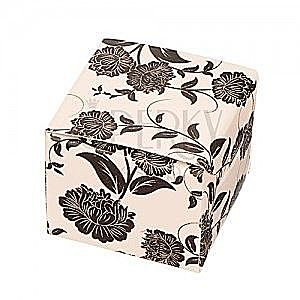Ozdobne pudełko na kolczyki - czarne kwiaty na beżowym tle obraz