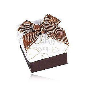 Brązowo-białe pudełeczko na biżuterię, kontury serc, przeszywana kokardka obraz