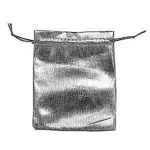 Upominkowy woreczek z materiału lśniącego srebrnego koloru, sznurek obraz