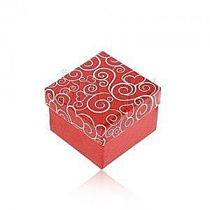 Upominkowe pudełeczko w czerwonym odcieniu, białe serduszkowe ornamenty obraz