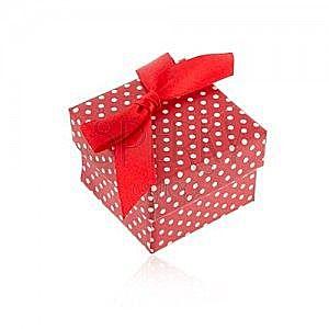 Czerwone prezentowe pudełeczko na pierścionek lub kolczyki, białe kropki, kokardka obraz